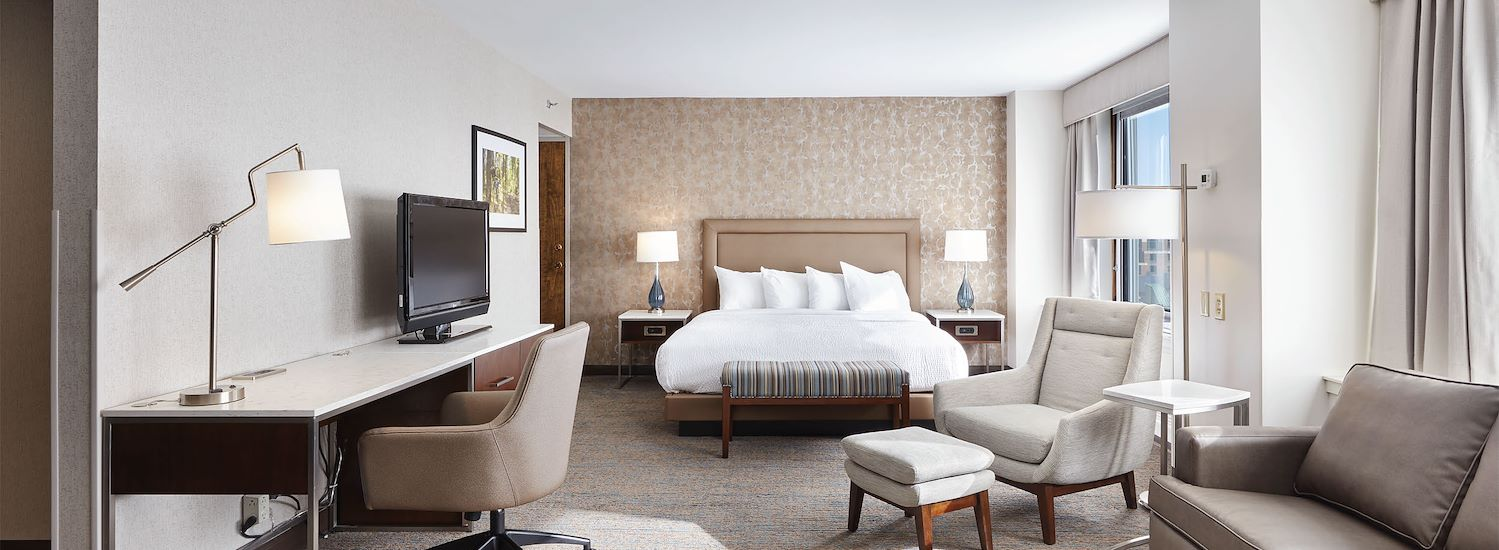 Rooms & Suites at The Kahler Grand Hotel, Rochester